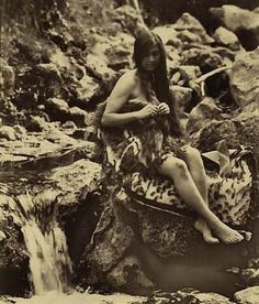 Woman posed in korowai next to stream. First Novel, Female Poses, Novels, Woman, Painting, Painting Art, Paintings, Painted Canvas, Romance Novels