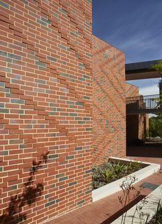 Guildford Grammar Catalyst by Christou Design Group - Think Brick Australia Awards 2013 Finalist