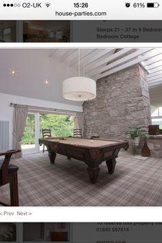 Love the grey tartan carpet! Grey Tartan Carpet, Patterned Carpet, Grey Carpet, Plaid Living Room, New Living Room, Living Room Decor, Hall Carpet, Carpet Stairs, Basement Carpet