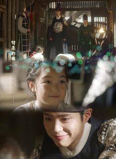 박보검 < 구르미 그린 달빛 > 제11장. 160926 [ 출처 : 디시 구르미갤러리 ] Moonlight Drawn By Clouds, Bo Gum, Korean Drama, Dramas, Disney, Youth, Actor, Drama Korea, Kdrama