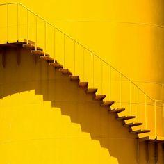 yellow, aesthetic, and stairs Bild Yellow Theme, Yellow Art, Pastel Yellow, Yellow Walls, Shades Of Yellow, Mellow Yellow, Mustard Yellow, Bright Yellow, Blue Yellow