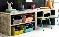 Kidsdepot accessoires  Vintage houten speeltafel laag met plank , gemaakt van houtin vintage stijl.In diverse matenleverbaar. Hier passen de kleine juniorstoeltjes en bakken onder.    Buiten ...
