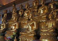 Nine Temple Tour - Thai New Year Tradition - Buddha Room at Golden Mount Bangkok - For full blog on the Bangkok nine temple tour check our blog: http://live-less-ordinary.com/asia-travel/nine-temple-tour-new-year-golden-mount