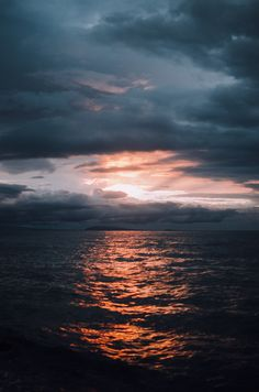 "deeplovephotography: "" still into you // instagram 