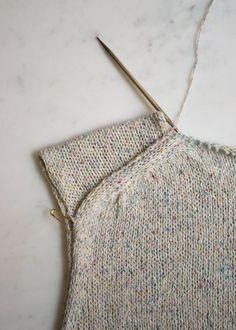 Summer Knitting, Free Knitting, Crochet Stitches, Knit Crochet, Crochet Tops, Knitting Patterns, Crochet Patterns, Purl Soho, Simple Cross Stitch