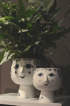 björn wiinblad - Sök på Google Organic Modern, Mid-century Modern, Danish Interior, Sculpture Head, Succulents In Containers, Mid Century Modern Art, Blue And White China, Ceramic Clay, Artist At Work