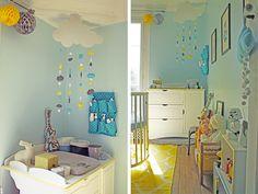 Chambre bébé bleu, jaune et blanc. - Nurcery blue, yellow and white.