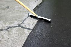 to Repair and Reseal a Driveway gives you simple step-by-step instructions for filling cracks and resealing a driveway. gives you simple step-by-step instructions for filling cracks and resealing a driveway. Blacktop Driveway, Asphalt Driveway Repair, Driveway Sealing, Asphalt Repair, Diy Driveway, Driveway Landscaping, Driveway Ideas, Cost To Repave Driveway, Diy Concrete Driveway