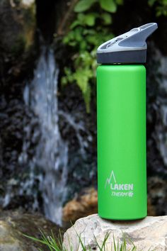 Laken Thermo Sport reusable bottle. Laken Thermo bottles have double-wall stainless steel construction, with high performance vacuum insulation. #lakenbottles #waterbottle