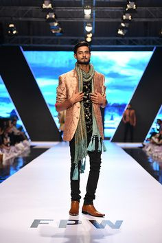 fashion_pakistan_ss_18_blog_amir_adnan_540_03 Pakistani, Samurai, Ss, 18th, Groom, Indian, Blog, How To Wear, Fashion