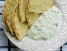 Tzatziki Sauce for garlic lovers. Breakfast Recipes, Dessert Recipes, Good Food, Yummy Food, Tzatziki Sauce, Greek Recipes, Creative Food, Tasty, Favorite Recipes