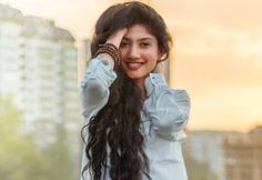 Sai Pallavi, is an South Indian actress who featuring in Malayalam, Telugu and Tamil movies. Started her career in 2015 Malayalam movie Premam Indian Actress Photos, Indian Bollywood Actress, Beautiful Bollywood Actress, Beautiful Actresses, Actress Pics, Beautiful Girl Indian, Most Beautiful Indian Actress, New Love Pic, Sai Pallavi Hd Images