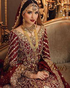 Pakistani Bridal Jewelry, Pakistani Wedding Outfits, Indian Bridal Outfits, Indian Bridal Fashion, Pakistani Dresses, Bridal Lehenga Collection, Make Up Braut, Bridal Style, Photos