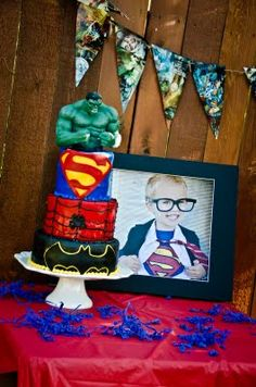 Super hero cake table