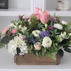 Spring Flower Arrangements, Beautiful Flower Arrangements, Floral Centerpieces, Floral Arrangements, Beautiful Flowers, Centerpiece Ideas, Exotic Flowers, Wedding Centerpieces, Silk Flowers