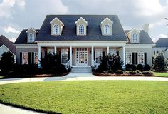 . Southern House Plans, Family House Plans, Southern Living, Southern Homes, Southern Style, Southern Front Porches, Southern Charm, Style At Home, Farmhouse Plans