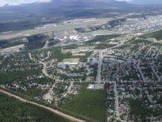Aerial view of Whitehorse and the Yukon River - Yukon (Territorium) – Wikipedia First Nations, British Columbia, Alaska, Yukon River, Meanwhile In Canada, Yukon Territory, Call Of The Wild, O Canada, The Great White
