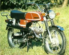 My first set of wheels was a 50cc Casal moped. Made in Portugal in 1975, this little beauty could do over 60 mph (downhill with the wind behind me)