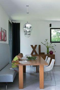 Le coin repas - Maison moderne pour une vie de famille heureuse - CôtéMaison.fr