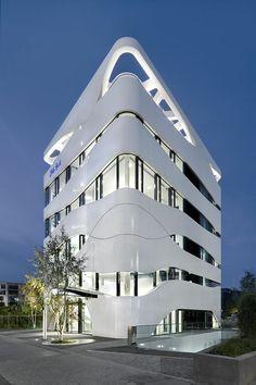 Bock- Science - Centro Médico - Tecnologia - Gnädinger