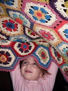 Flower to Hexagon Granny Blanket - Crochet Me