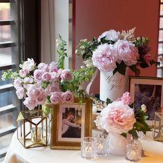 ごちゃごちゃNG!素敵なウェルカムスペースお手本装飾はこんなの♡ | marry[マリー] Space Wedding, Dream Wedding, Table Topics, Welcome Flowers, Wedding Decorations, Table Decorations, Church Wedding, Wedding Coordinator, Pastel Pink