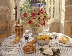 A tablescape at Hubert de Givenchy's La Jonchet manor, 1988.