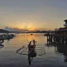 Wonderful #sunset at #coron #harbour - offering #dives to amazing #worldwar2 #shipwrecks - #philippines #laidback #silence #travel #backpacking