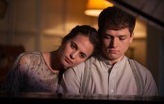 Alicia Vikander (Vera Brittain) & Taron Egerton (Edward Brittain) - Testament of Youth (2015) directed by James Kent