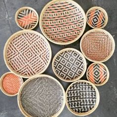 Baskets On Wall, Wicker Baskets, Wall Basket, Graph Paper Drawings, Bamboo Crafts, Clay Earrings, Plates On Wall, Decoration, Handicraft