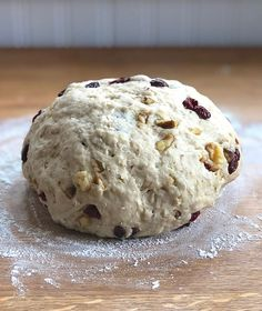 Learn how to make this customer-favorite oatmeal bread, then change things up by substituting different flours, turning it into rolls, and filling and topping as desired. Whole Wheat Bread Machine Recipe, Bread Machine Recipes, Bread Recipes, Oatmeal Bread Recipe, King Arthur Flour, Burger Buns, Best Oatmeal, Oat Flour, Whole Wheat Flour