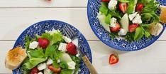 Feta-mansikkasalaatti Fruit Salad, Cobb Salad, Feta, Tacos, Good Food, Cooking, Ethnic Recipes, Kitchen, Fruit Salads