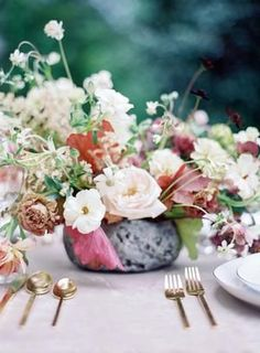 This wedding editorial is jam packed with layer upon layer of elegance. Summer Color Palettes, Summer Colors, Bright Wedding Flowers, Summer Flowers, Summer Wedding Centerpieces, Elegant Wedding, Editorial, Bouquet, Pastel