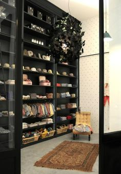 dude! this is a kids closet. I want to see the rest of the house. right now.