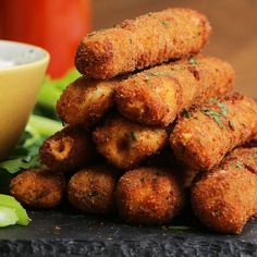 Buffalo Chicken Mozzarella Sticks Recipe by Tasty - Appetizer Recipes Tasty Videos, Food Videos, Cooking Videos, Mozzarella Sticks Recipe, Cheese Sticks Recipe, Comida Diy, Appetizer Recipes, Dinner Recipes, Mozzarella Chicken