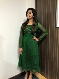 Simple Kurta Designs, Half Saree Designs, Trendy Dresses, Fashion Dresses, Kurtha Designs, Frock Patterns, Designer Anarkali Dresses, Pakistani Fashion Party Wear, Churidar Designs