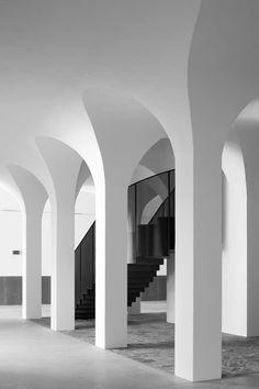 Pierre Yovanovitch, Hotels In France, Column Design, Nuno, Lobby Design, Architectural Elements, Interior Architecture, Sacred Architecture, Organic Architecture