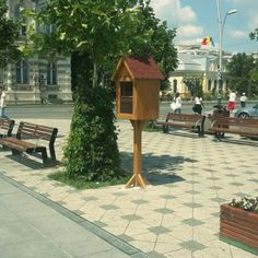 BACĂU Little Free Libraries, Free Library, Romania, Outdoor Decor, Home Decor, Decoration Home, Room Decor, Home Interior Design, Home Decoration