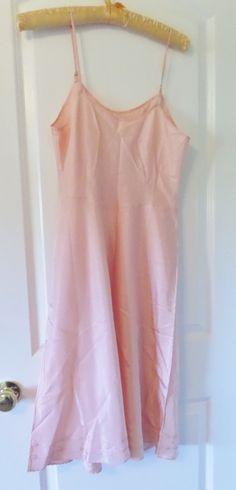 Suzette Celanese Slip Rayon Taffeta Size 36 Lingerie Vintage Peach #vintageclothing #glasswear