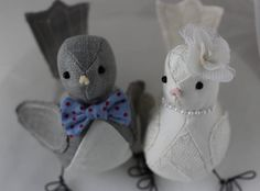 Naww, aren't these so sweet? Cake topper birds...