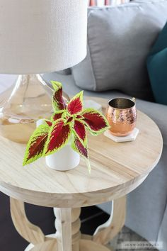 Add a few, simple details to decorate for Fall. Grab these fall decorating ideas! Decor, Fall Decor, Table Decorations, Apartment Living Room, Diy Kitchen Table, Living Room Decor Apartment, Interior Decorating, Kitchen Table, Paint Colors For Living Room
