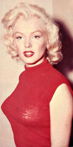 A rare photo of Marilyn in 1953.