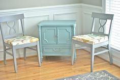 Lovely painted chest & chairs