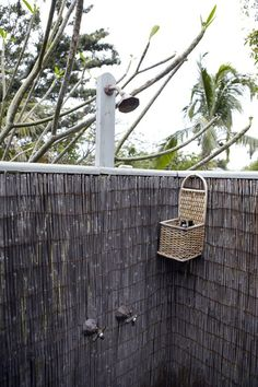 Outdoor Showers: 20 Ideas for Bathing en Plein Air (Gardenista: Sourcebook for Outdoor Living) Outdoor Baths, Outdoor Bathrooms, Tiny Bathrooms, Bamboo Garden, Bamboo Fence, Balinese Garden, Outside Showers, Outdoor Showers, Outdoor Spaces