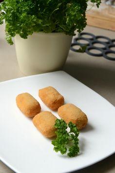 """Het lekkerste recept voor """"Kipkroketten"""" vind je bij njam! Ontdek nu meer dan duizenden smakelijke njam!-recepten voor alledaags kookplezier! Marmite, Tempura, Falafel, Beignets, Fritters, Veggies, Homemade, Snacks, Breakfast"""