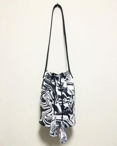 Can't ever go wrong with the retro black and white...available now in bucket bag form  shop the collection today www.marisa-mu.com last few days to use the FORYOU code to get 15% off  // #australianmade #design #leathergoods #marisamu by marisa.mu #tailrs