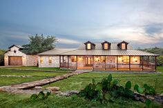 Texas hill country ranch style house plans for texas style homes Texas Hill Country, Hill Country Homes, Ranch Style Homes Country, Ranch Style House, Farmhouse Style, Ranch Style Floor Plans, Texas Farmhouse, Modern Farmhouse, Metal Building Homes