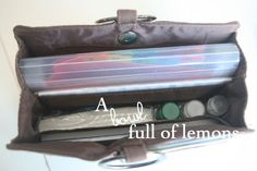 Purse Organization tips to keeping your purse in order | A Bowl Full of Lemons