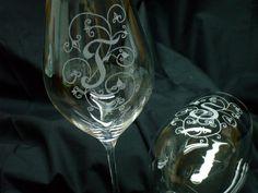 AbraCadAbra: calici decorati a mano con incisione a punta di diamante