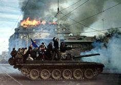 Exactly 25 years ago, the last removal of a Communist regime in a Warsaw Pact country. Bucharest, Romania, [[MORE]] Some info and background of the revolution: Old Pictures, Old Photos, Vintage Photos, Romanian Revolution, Warsaw Pact, Rare Historical Photos, The Time Machine, Bucharest Romania, Panzer
